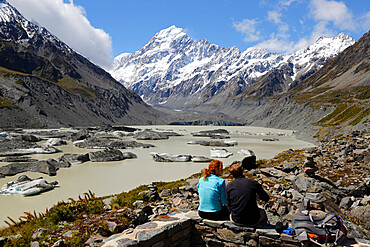 Hooker Lake and Glacier with icebergs and Mount Cook, Mount Cook National Park, UNESCO World Heritage Site, Canterbury region, South Island, New Zealand, Pacific