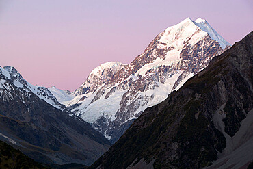 Peak of Mount Cook at sunset, Mount Cook National Park, UNESCO World Heritage Site, Canterbury region, South Island, New Zealand, Pacific