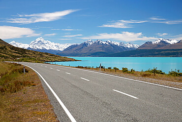 Mount Cook and Lake Pukaki with empty Mount Cook Road, Mount Cook National Park, UNESCO World Heritage Site, Canterbury region, South Island, New Zealand, Pacific