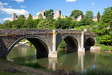 Ludlow Castle above River Teme and Dinham Bridge, Ludlow, Shropshire, England, United Kingdom, Europe