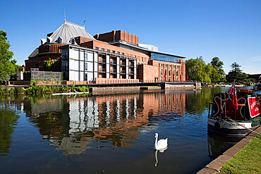 The Swan Theatre and Royal Shakespeare Theatre on River Avon, Stratford-upon-Avon, Warwickshire, England, United Kingdom, Europe