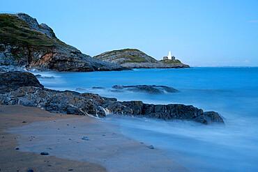 Mumbles Lighthouse and Bracelet Bay, Gower Peninsula, Swansea, West Glamorgan, Wales, United Kingdom, Europe