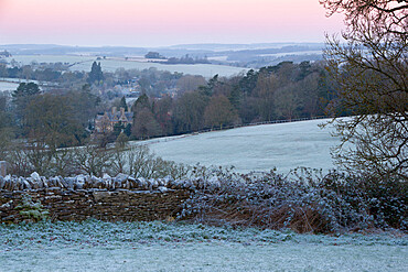 Cotswold landscape on frosty morning, Stow-on-the-Wold, Gloucestershire, Cotswolds, England, United Kingdom, Europe