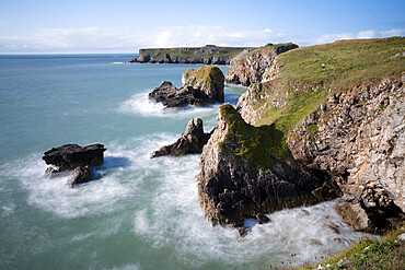 Coastline looking west to St. Govan's Head, Pembrokeshire Coast National Park, Pembrokeshire, Wales, United Kingdom, Europe