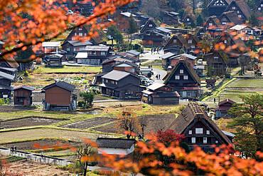 Gassho-zukuri folk houses, Ogimachi village, Shirakawa-go, near Takayama, Central Honshu, Japan, Asia