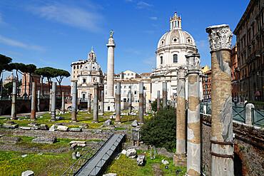 Ruins of Trajan Forum (Foro Traiano) with Trajan's Column and Santa Maria di Loreto, UNESCO World Heritage Site, Rome, Lazio, Italy, Europe