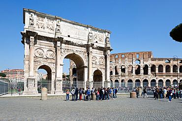 Arch of Constantine (Arco di Costantino) and the Colosseum, UNESCO World Heritage Site, Rome, Lazio, Italy, Europe