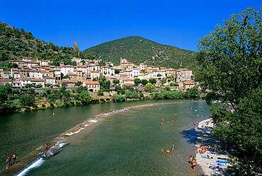 Village on the Orb River, Roquebrun, Herault department, Languedoc-Roussillon, France, Europe