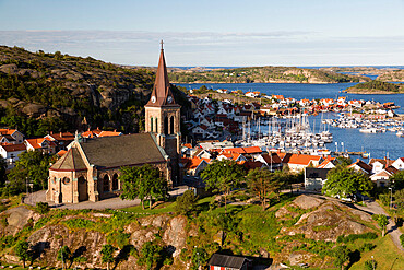 View over harbour and town with Vetteberget cliff, Fjallbacka, Bohuslan Coast, Southwest Sweden, Sweden, Scandinavia, Europe