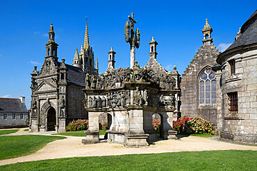 Calvary and church in the parish close, Guimiliau, Finistere, Brittany, France, Europe