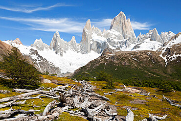 View of Mount Fitz Roy on Laguna de Los Tres trail, El Chalten, Patagonia, Argentina, South America