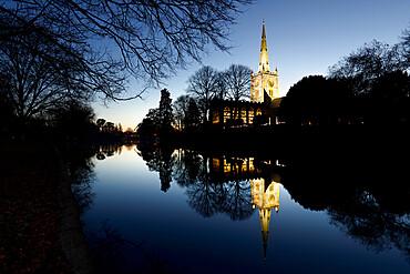Holy Trinity Church on the River Avon at dusk, Stratford-upon-Avon, Warwickshire, England, United Kingdom, Europe