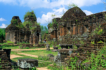 Cham ruins, My Son, UNESCO World Heritage Site, near Hoi An, South Central Coast, Vietnam, Indochina, Southeast Asia, Asia