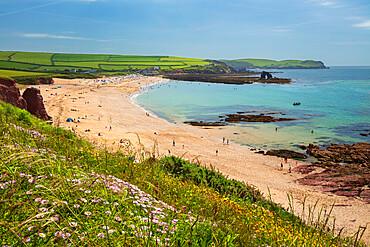 Thurlestone Sand and South Milton Sands beach with Thurlestone Rock, Thurlestone, South Hams district, Devon, England, UK