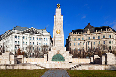 Soviet obelisk commemorating liberation of city by Red Army in 1945, Liberty Square, Budapest, Hungary, Europe