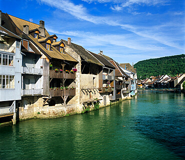 Old houses along the River Loue, Ornans, Loue Valley, Franche Comte, France, Europe
