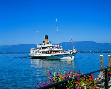 La Suisse traditional lake ferry, Yvoire, Lake Geneva, Rhone Alpes, France, Europe