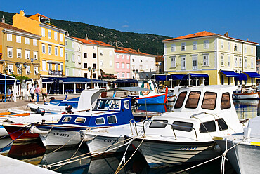 The harbour, Cres Town, Cres Island, Kvarner Gulf, Croatia, Adriatic, Europe