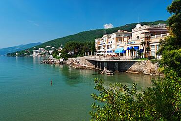 View along Lido to Kvarner Hotel, Opatija, Kvarner Gulf, Croatia, Adriatic, Europe