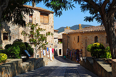 Boutiques in old town, Pals, Costa Brava, Catalonia, Spain, Europe