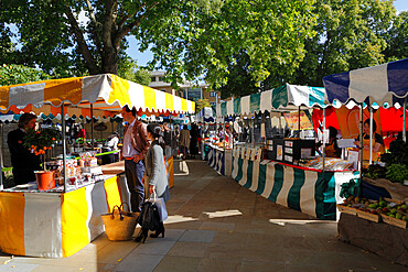 Saturday farmers market, Duke of York Square, King's Road, Chelsea, London, England, United Kingdom, Europe