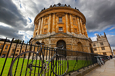 The Radcliffe Camera (round Palladian style library built in 1748), Oxford, Oxfordshire, England