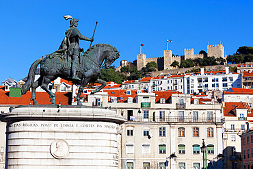 Statue of King John 1st and Castelo de Sao Jorge, Praca da Figueira, Baixa, Lisbon, Portugal, Europe