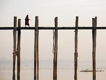 View of U-Bein Bridge at dawn, Amarapura, Mandalay, Mandalay Region, Myanmar (Burma), Asia