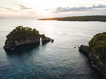 Crystal Bay at sunset, Nusa Penida, Bali, Indonesia, Southeast Asia, Asia