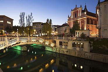 Triple Bridges, Old Town, Ljubljana, Slovenia, Europe