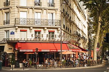 Exterior of Cafe Le Dome Brasserie, Paris, Ile-de-France, France, Europe