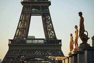 Palais de Chaillot and Eiffel Tower, Paris, Ile-de-France, France, Europe