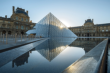 Louvre Museum and Pyramid at dawn, Paris, Ile-de-France, France, Europe