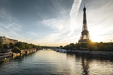 Eiffel Tower and River Seine at dawn, Paris, Ile-de-France, France, Europe