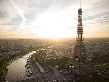 Eiffel Tower and River Seine at dawn, Paris, Ile-de-France, France, Europe