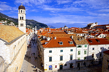 Looking down on the Stradun (Placa) from the Walls above the Pile Gate, Old City, UNESCO World Heritage Site, Dubrovnik, Croatia, Europe