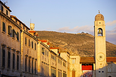 Main street Stradun in the old town of Dubrovnik, UNESCO World Heritage Site, Croatia, Europe