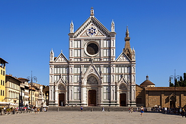Piazza Santa Croce and Basilica di Santa Croce, Florence, UNESCO World Heritage Site, Tuscany, Italy, Europe