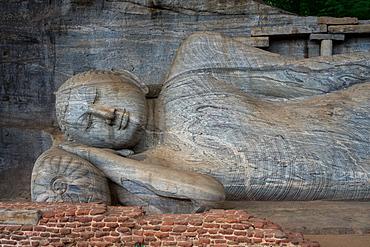 Reclining Buddha statue, Gal Vihara at Polonnaruwa, UNESCO World Heritage Site, Sri Lanka, Asia