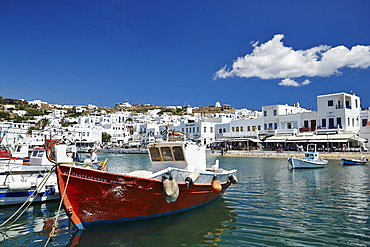 Fishing boats moored in the harbour, Mykonos Town (Chora), Mykonos, Cyclades, Greek Islands, Greece, Europe