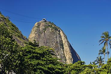 Views of Sugarloaf mountain (Pao de Acucar), early evening, Rio de Janeiro, Brazil, South America