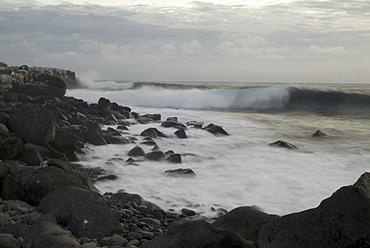 Wave movement - espanola. Galapagos.