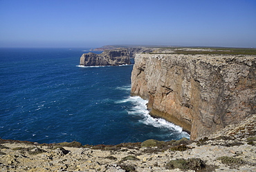 Limestone cliffs running north from Cape St. Vincent (Cabo de Sao Vicente), Europe's most southwesterly point, Algarve, Portugal, Europe