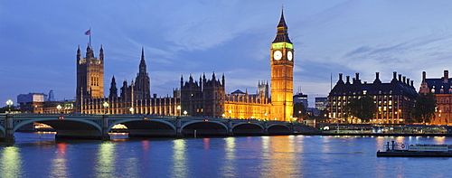 Big Ben and the Houses of Parliament, UNESCO World Heritage Site, and Westminster Bridge over the River Thames, London, England, United Kingdom, Europe