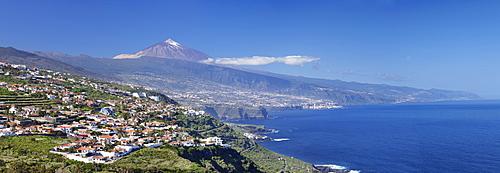 View over Orotava Valley to the north coast and Puerto de la Cruz and Pico del Teide, Tenerife, Canary Islands, Spain, Europe