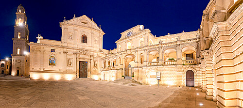 Baroque buildings and Cathedral at night, Piazza del Duomo, Lecce, Salento, Apulia, Italy