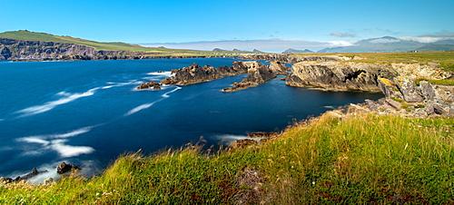 Dingle Peninsular panorama, County Kerry, Munster, Republic of Ireland, Europe