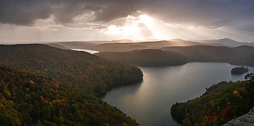 Sunset view of Nichols pond from the Nichols ledge, Vermont in the fall season