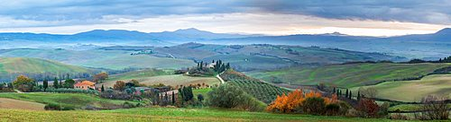 Panoramic view of San Quirico d'Orcia, Val d'Orcia, UNESCO World Heritage Site, Tuscany, Italy, Europe