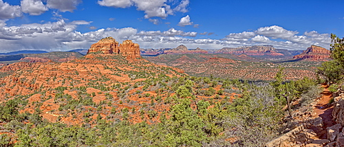 Panorama view of Cathedral Rock and Sedona from the HiLine Trail Vista, Arizona, United States of America, North America